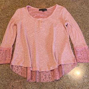 Almost Famous womans lace pink top medium